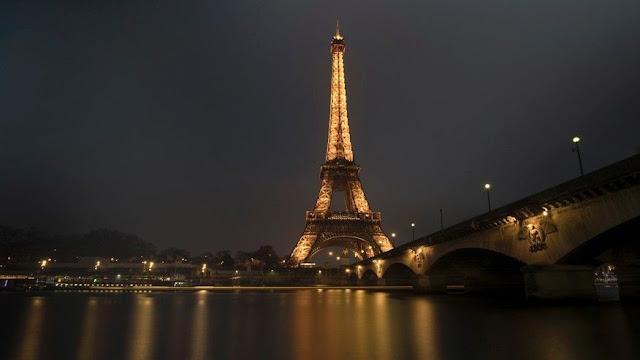[Cerpen] Eiffel in Memories