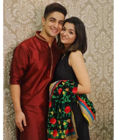 Ranveer Allahbadia with his girlfriend Vaishnavi Thakker