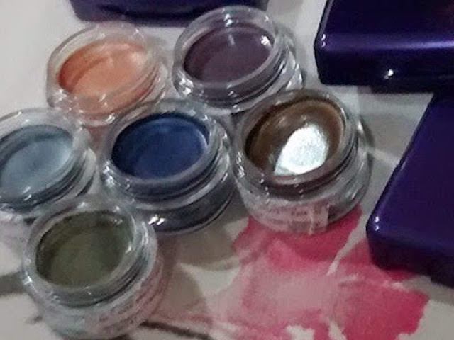 Oriflame's The One Colour Impact Cream Eye Shadow Product Review