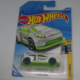 Hot Wheels 12 Ford Fiesta putih