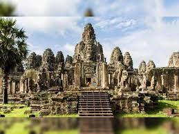 தமிழன் கட்டிய உலகிலேயே மிகப்பெரிய கோவில்... அதுல இத்தன மர்மங்கள் ஒளிஞ்சிருக்கா?