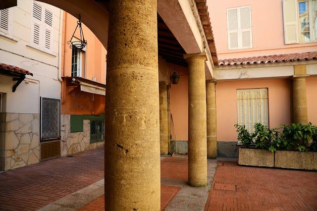 모나코 구시가에서 モナコ旧市街