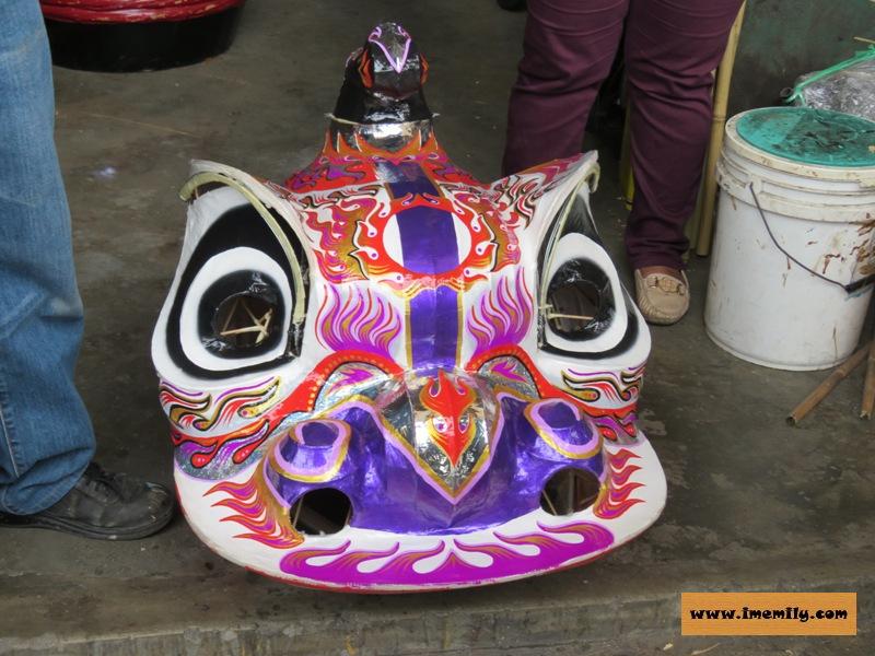 Master Siow :Lion Head Art