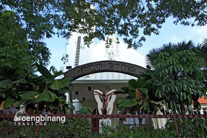 gereja katolik hati kudus yesus surabaya