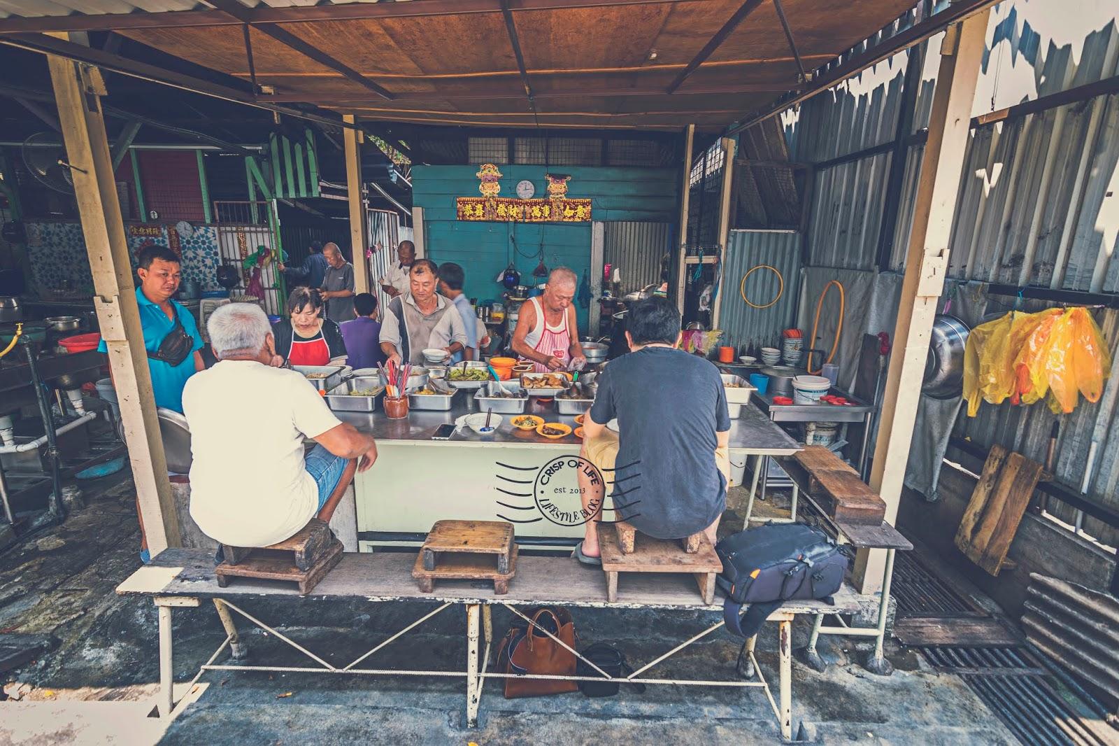 The Last Squatting Teochew Porridge in Penang at Jalan Magazine Georgetown