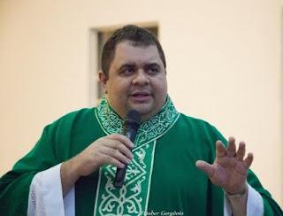 Morre Padre Hachid, mais um 'guerreiro' que perde a vida para a covid-19