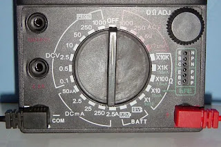 how to read analog multimeter scale