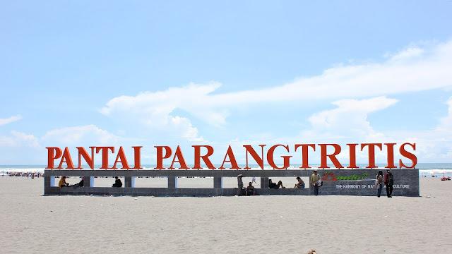 Pantai Parangtritis | Eksotisme Pasir Putih di Sudut Kota Yogyakarta