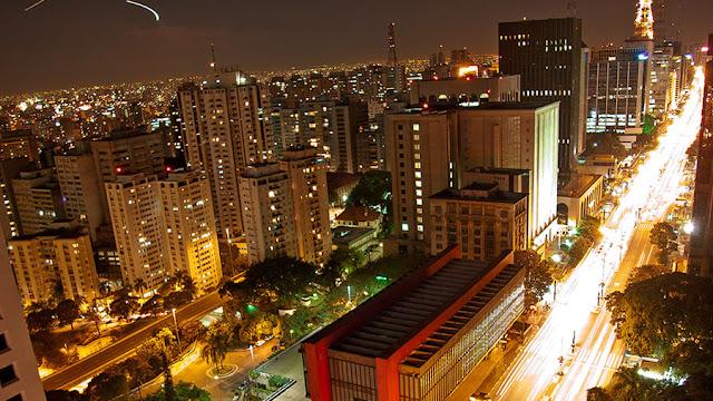 Conhecer o mundo numa cidade só