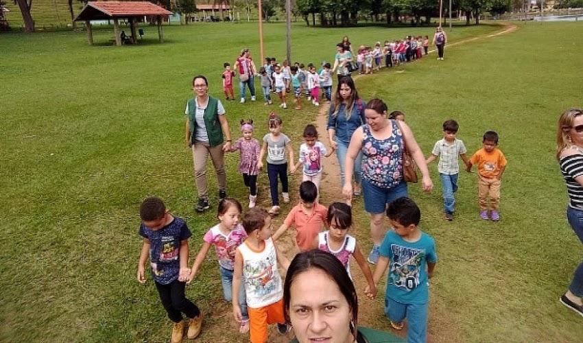 Atividades de férias para crianças na Biblioteca e Horto de Avaré