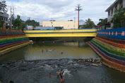 Keren, Sungai Kumuh di Manado Ini Disulap Penuh Warna Warni Laksana Pelangi