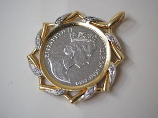 Isle of Man マン島(1989年)プラチナ製キャットコイン入りペンダントをお買取り致しました