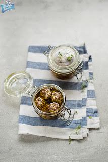 Labneh z zatarem w oliwie