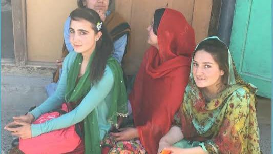 Perempuan Lembah Hunza, Bisa Melahirkan di Usia 65 dan Tetap Muda Usia 80 Tahun