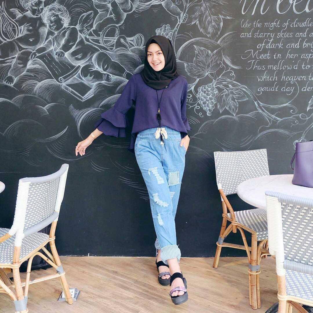 Fashion Wanita Berhijab 2018  50ee29d28e