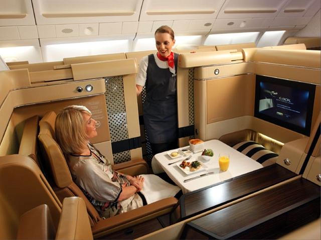 أغلي عشر تذاكر طيران في العالم الاتحاد للطيران - نيويورك إلى أبو ظبي
