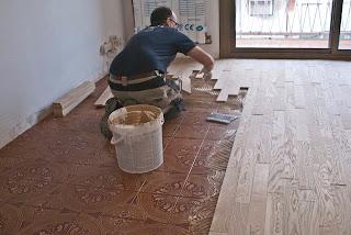 colocar suelo de madera