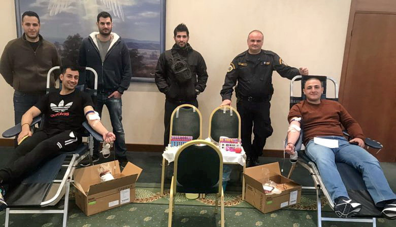 Αστυνομικοί που φυλάνε τα σύνορα στον Έβρο έδωσαν αίμα για τους Εβρίτες