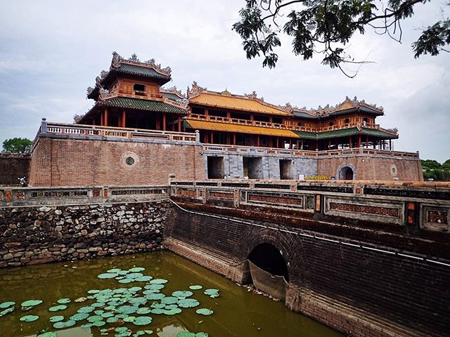 Visiting Hue to come back an ancient citadel of Vietnam