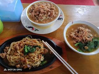 Miyageng, Mie Ayam Gayeng Hotplate Fulltoping di Borobudur Magelang