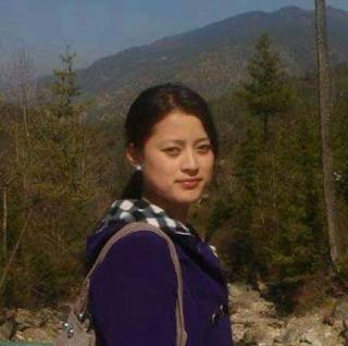 西藏拉萨小学教师梅朵翻墙转发涉藏新闻失踪四年杳无音信