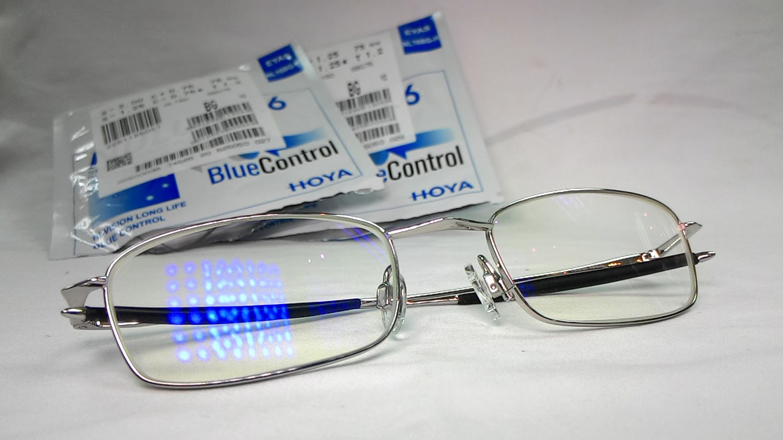 精明眼鏡公司: HOYA Nulux Blue Control 阻隔藍光鏡片