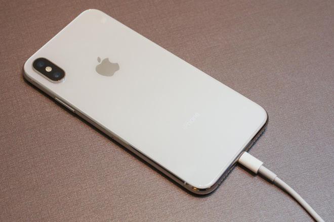 Tốn bao nhiêu tiền để thay pin iPhone X