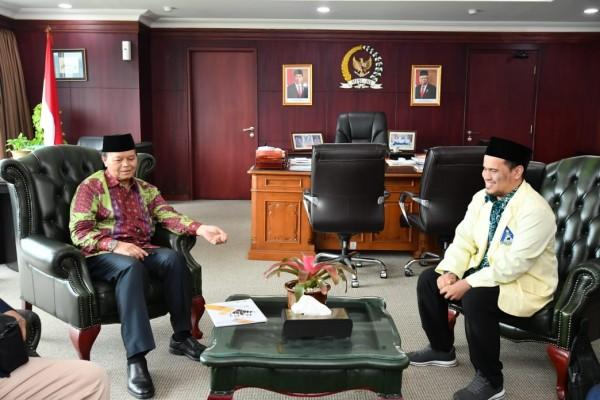 Terima Ketua PII, Wakil Ketua MPR Hidayat Nur Wahid Ingatkan Selalu Sambung Tali Silaturahmi