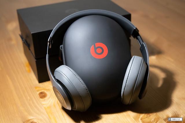 【開箱】幾乎無懈可擊的 Beats Studio3 Wireless 抗噪藍牙耳機 - 耳機配戴表現符合期待