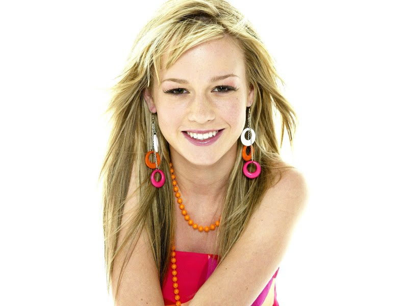 Brie Larson Gallery: Brie Larson Biography And Photos