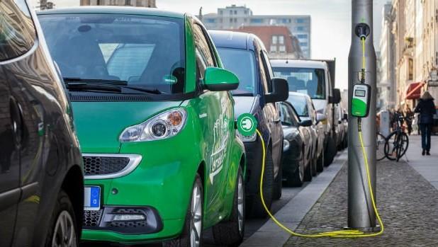 Aumentano le vendite delle auto elettriche in Italia | Economia
