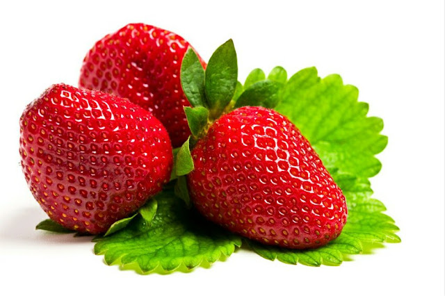 12 Benefits of Strawberry for Health and Beauty Naturally