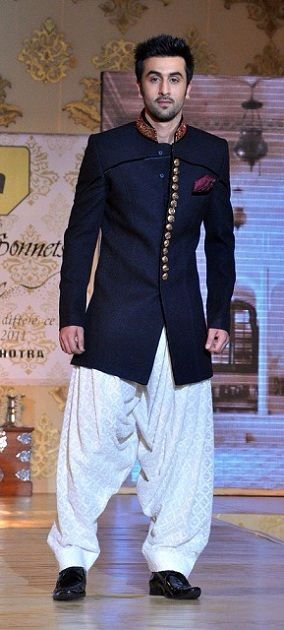 10 Super Stylish Outfits Ideas for Brother of Groom