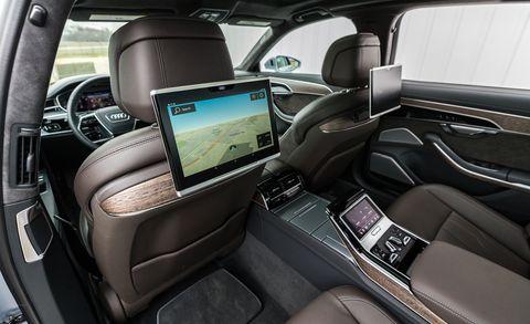 سعر ومواصفات سيارة أودي a8 2021 الجديدة
