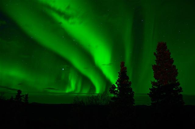 Aurora_boreal_noite
