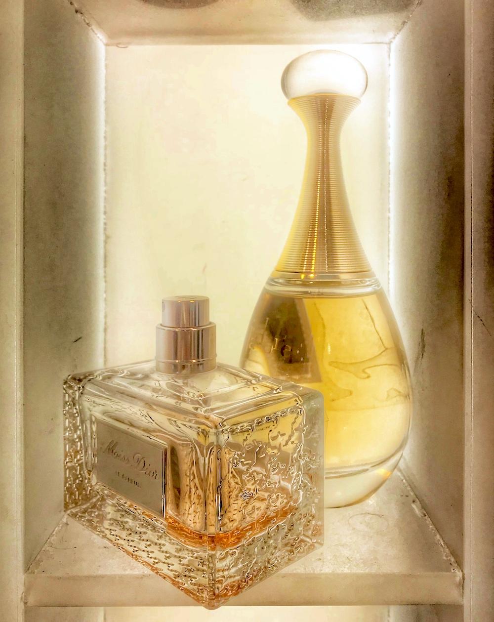 afrodyzjak, aromaterapia, perfumy, Uroda, zapach, Zdrowie, Zdrowie i Uroda, perfumy afrodyzjaki forum, jaki zapach perfum podnieca mężczyzn, perfumy z afrodyzjakiem, afrodyzjaki perfumy opinie, perfumy jako afrodyzjak, paczula afrodyzjak, perfumy które uwodzą mężczyzn, perfumy które podniecają kobietę