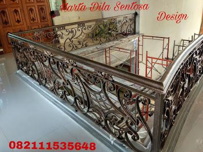 balkon besi  tempa untuk rumah mewah