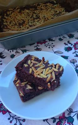 Ciasto czekoladowe z kaszą jaglaną i migdałami