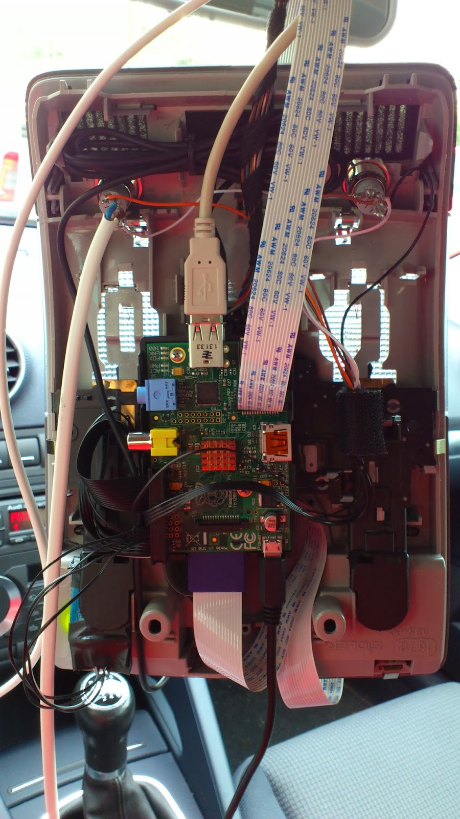A Raspberry Pi dashcam with two cameras and a GPS: The built-in Pi