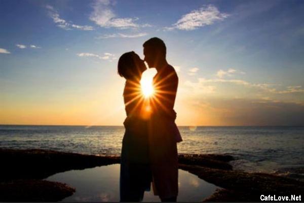 thơ 8 chữ viết về tình yêu đôi lứa hay