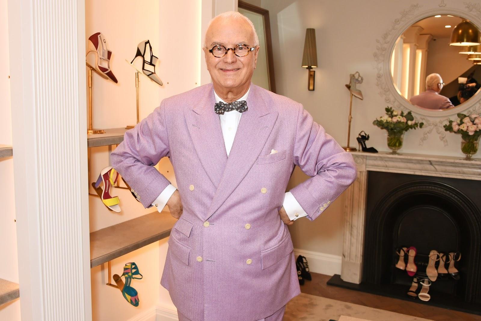 Manolo Blahnik online store launches / fashion news via www.fashionedbylove.co.uk