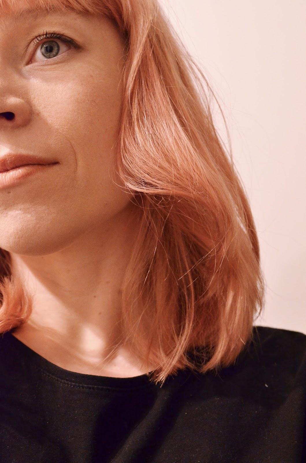 Ruusukulta Hiukset
