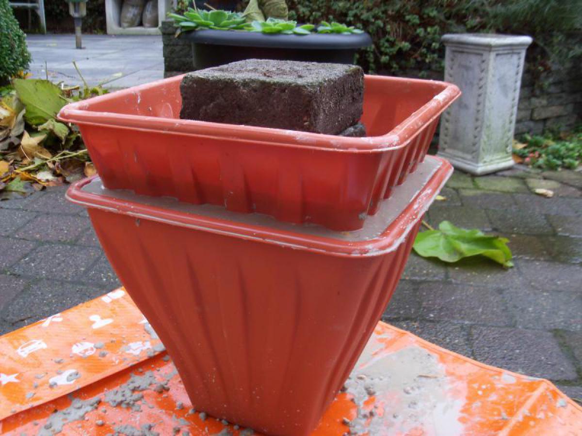 Como hacer una maceta de cemento con moldes de plastico - Macetas de cemento ...