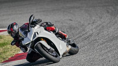 Ducati Supersport 2021