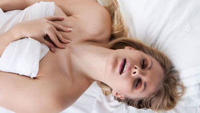 woman-gets-orgasm-in-sex