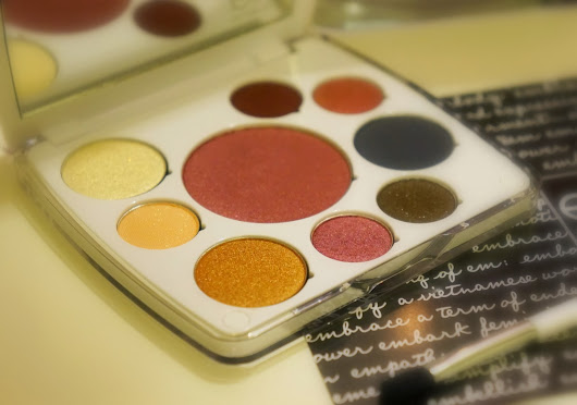EM Michelle Phan: the Life Palette Moment in New Year's Countdown Review
