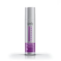 Несмываемый кондиционер-спрей для волос Londa Deep Moisture Conditioner Spray разработан для увлажнения иссушенных, ломких и поврежденных по длине волос. Спрей обеспечивает глубокое увлажнение внутри кортиса волоса, восполняет влагой иссушенную поврежденную структуру волоса, обволакивая защитой пленкой волос по диаметру, придавая гладкость и шелковистость. Входящие в состав мед и экстракт манго обеспечивают необходимый уход и питание сухих волос. Увлажняющий спрей-кондиционер прекрасно помогает распутывать волосы при расчесывании, облегчает и ускоряет процесс укладки непослушных волос, обладает антистатическим действием. Удобен, легок в применении. Не требует смывания!. Применение: Распылить на влажные волосы после мытья шампунем, приступить к укладке. Можно применять для восполнения влаги и в течение дня, распыляя по полотну волос.