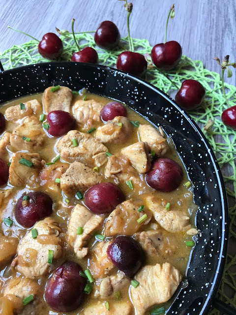 pollo con cerezas receta