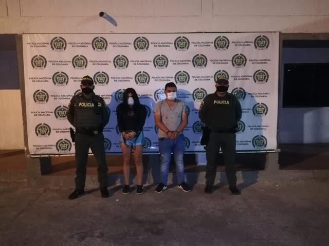 hoyennoticia.com, Se enfrentaron a la Policía porque les suspendió la parranda