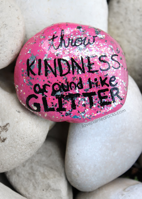 pink painted rock - throw kindness around like glitter